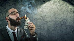 mand ryger penge
